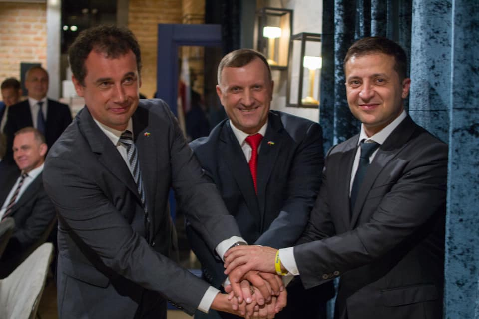 Без меж, протоколу й відверто: у Варшаві відбулась неформальна зустріч представників українського та польського бізнесу з Президентом України